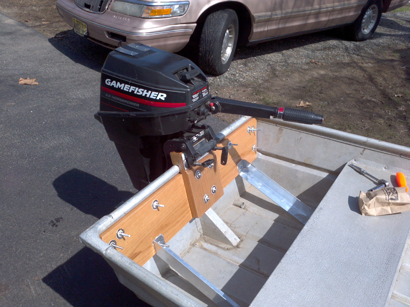 Here 39 s my boat sears 14 39 jon for How to raise outboard motor
